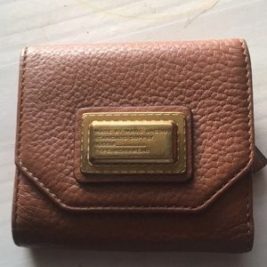 Marc jacobs compact leather wallet