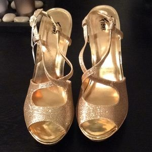 Shoes - Gold Heels new size 12
