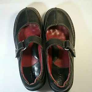 Born black leather Mary Jane's, Size 6.5