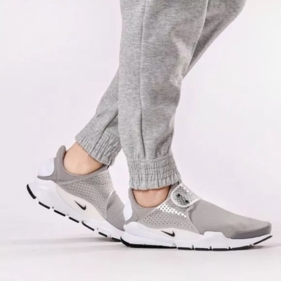 competitive price 91f1e 6f4cf Women s Nike Sock Dart Grey Low Running Sneakers