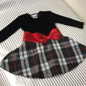 Holiday dress with velvet top and plaid bottom ❤️