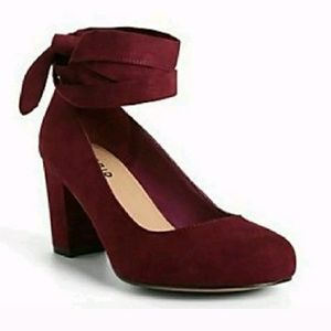 """Size 10W Torrid """"Merlot colored"""" Lace Mary Jane"""