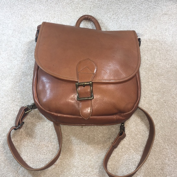HOBO Handbags - Hobo International Saddlebag Backpack EUC fc586ea1eb0d9