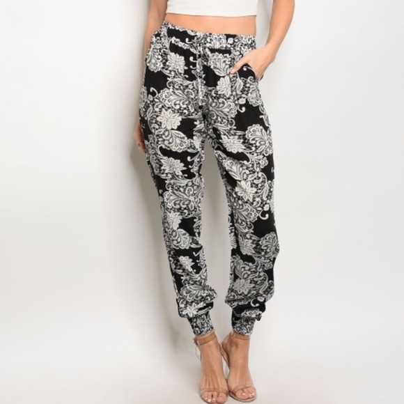 provide plenty of popular style exquisite design Patterned Jogger Pants