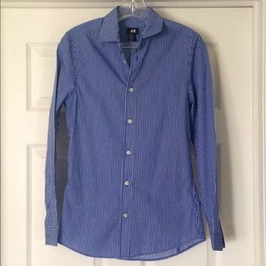 H&M blue and white pinstriped shirt size XS