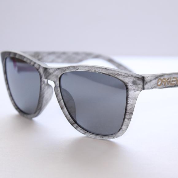 42873de997 Oakley Frogskins Sunglasses Woodgrain