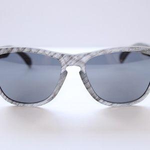 d0dd13a6e7 Oakley Accessories - Oakley Frogskins Sunglasses Woodgrain