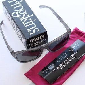 Oakley Frogskins Sunglasses Woodgrain