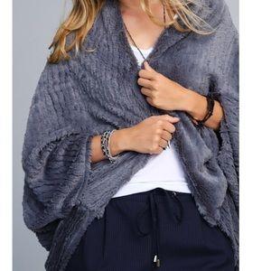 🆕Tegan Gray Faux Fur Wrap Shrug Poncho