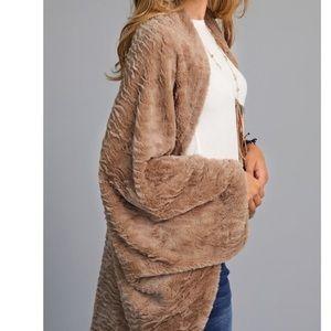 🆕Tegan Taupe Faux Fur Wrap Shrug Poncho