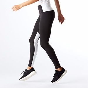 New Lucy​ Activewear Leggings Black & White Size M