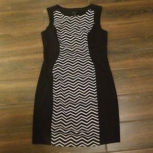 Slimming Black & White Dress