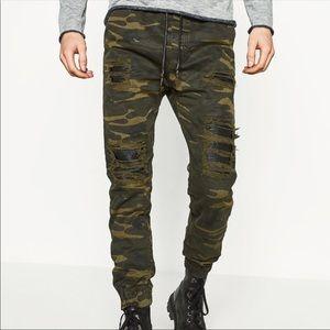 Zara camo ripped jeans joggers pants