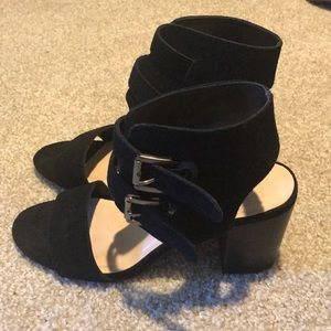 Nine West black suede short heels
