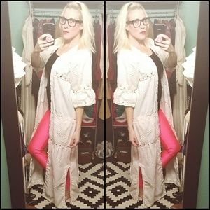 Stunning, VINTAGE, button up, white dress!!