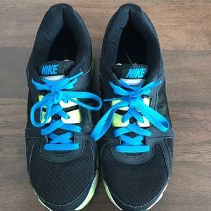 Sz 10 Nike dual fusion ST2