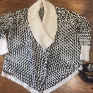 Ellen Tracy Black & White Cardigan Sweater