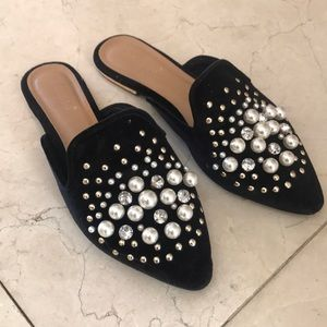 Shoes - Pearl flats