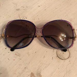 Vintage Sunglasses 🕶
