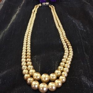 Jewelry - Vintage double strand champagne pearl necklace