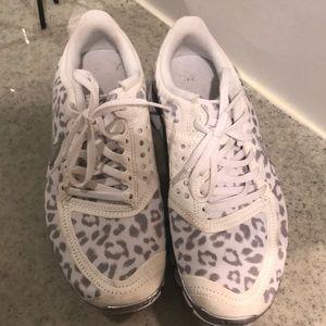 Nike free 5.0 cheetah print shoes