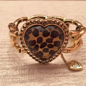Betsey Johnson gold stretchy bracelet with heart