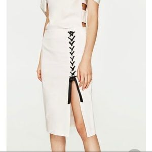 Zara side slit skirt-XS
