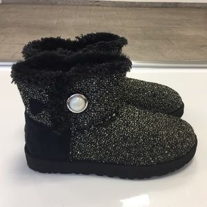 Ugg black bailey pearl button boots size 7