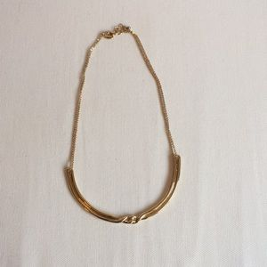 Good collar necklace