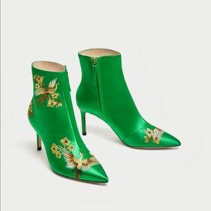 Zara silk embroidery boots BRAND NEW! Sz 38