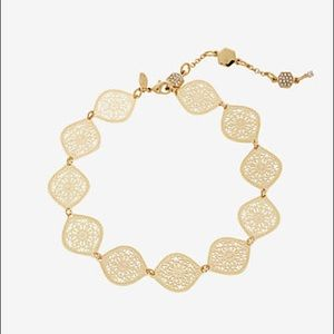 Express delicate gold Floral filigree choker