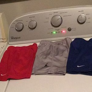 NIKE 5 piece shorts size 2t