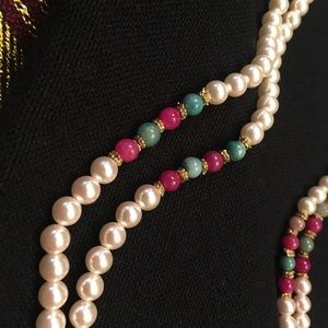 Beautiful pearl necklace.