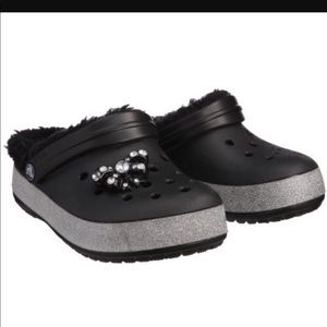 NWT**CrocS Crocbling Mammoth w/fur**Black J1 **$40