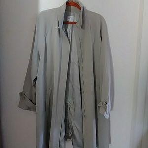 Anne klein casual coat beige.