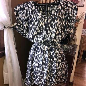 Express black and white short sleeve dress