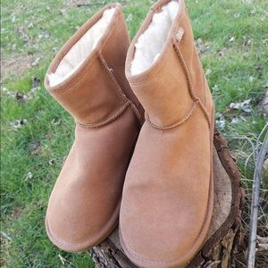 Emu Chesnut ankle booties size 9 in euc