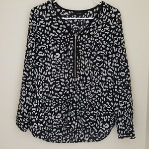 Tops - Black and white top