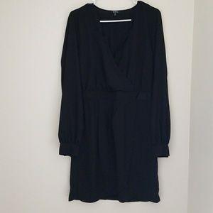 Dresses & Skirts - Low cut dress