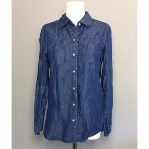 Foxcroft Fitted Fit Chambray Button Down Shirt