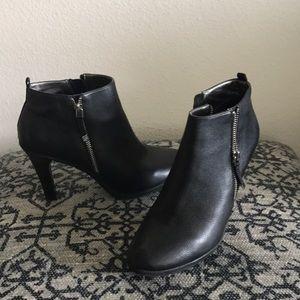Tahari ankle boots