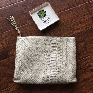 Ivory Exotic Pouch