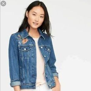 NWT Old Navy embroidered floral jean jacket