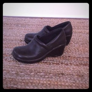 Born leather clog wedges. Great Condition!