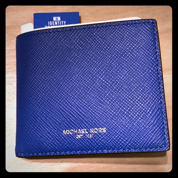a5bc22ac3693 LAST 1 Michael Kors Harrison slim wallet with RFID