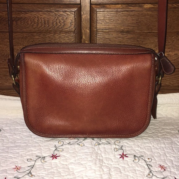 5ede3494fbb6 Coach Handbags - Vintage Coach Sheridan crossbody