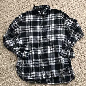 H&M's shirt