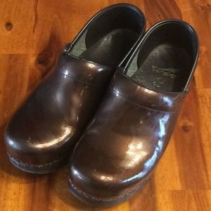 Shiny brown dansko shoes