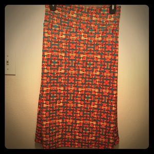 Dresses & Skirts - Fun patterned long stretchy skirt