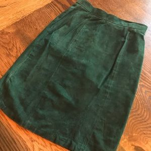 B. B Dakota Vintage Forest Green Leather Skirt